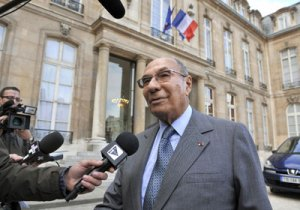 Serge-Dassault, net worth $5.4 billion, french arms producer, friend of Sarkozy, exporter of arms to Brazil